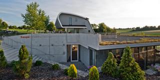 Erweiterung, Bauabschnitte, Freiform, Betontragwerk, Glasfassade, Dachbegrünung, Flachdach, Garten, Privat, Büro, Verwaltung